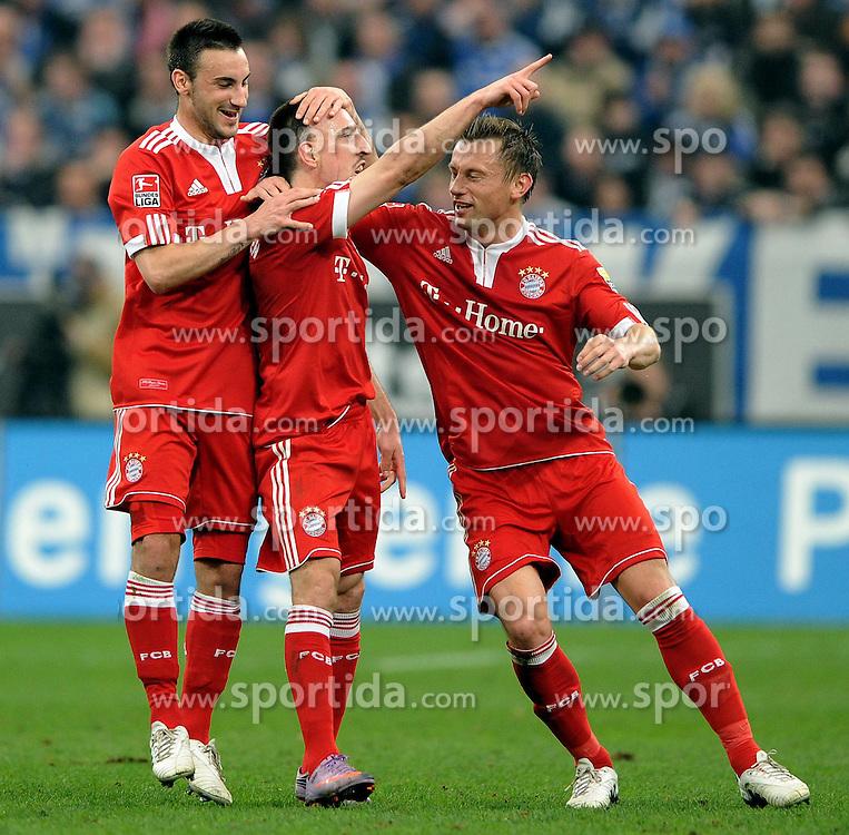 03.04.2010, VELTINS Arena, Gelsenkirchen, GER, 1. FBL, FC Schalke 04 vs. FC Bayern Muenchen, 29. Spieltag, im Bild Jubel Diego Contento ( Bayern #26 ), Frank Ribery (Bayern #7) und Ivica Olic (Bayern #11) nach dem 1-0. EXPA Pictures © 2010, PhotoCredit: EXPA/ nph/  Conny Kurth / SPORTIDA PHOTO AGENCY