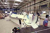 20 AUG 2002, LAUCHHAMMER/GERMANY:<br /> Rotorblatt-Fertigungsstaette der Firma Vestas, Hersteller von Windkraftanlagen<br /> IMAGE: 20020820-01-019<br /> KEYWORDS: Windkraft, Energie, <br /> Fluegel, Flügel