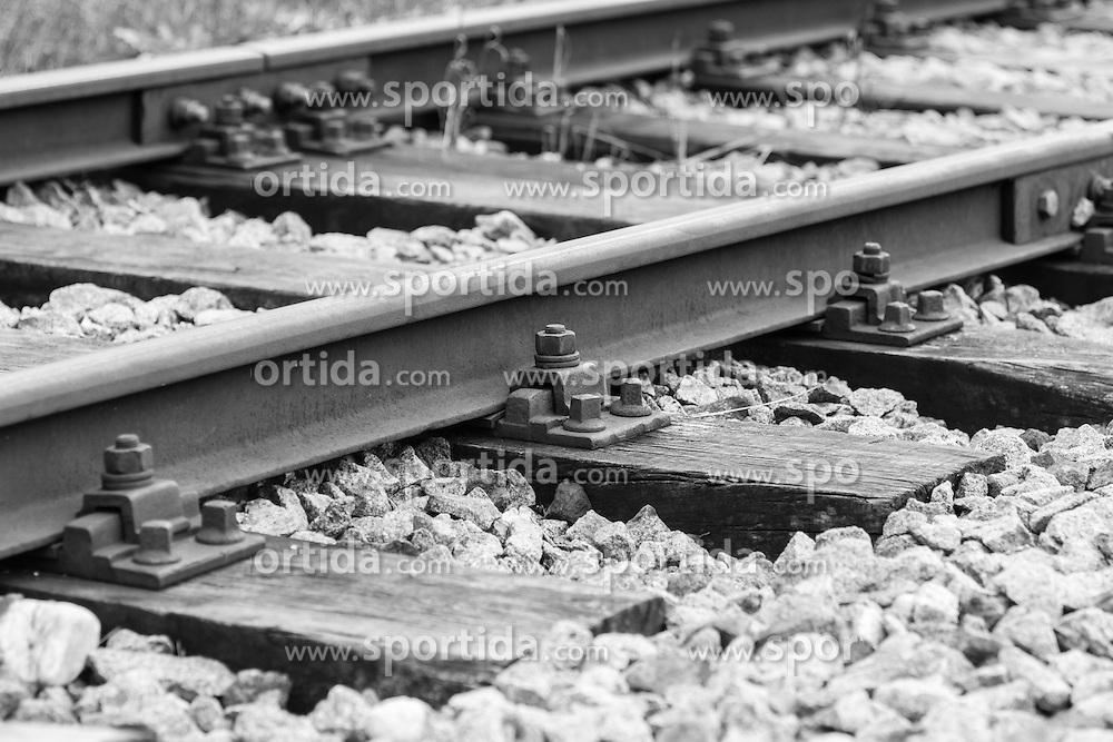 THEMENBILD, Eisenbahnstrecke zwischen Timelkam und Ampflwang, im Bild Gleise, Bild aufgenommen am 29.09.2012. EXPA Pictures © 2012, PhotoCredit: EXPA/ Roland Hackl