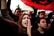 Tunisi, Africa, 20 gennaio 2011. Un momento della manifestazione contro il neo-governo tunisino che si è appena insediato dopo la caduta del presidente Zine el Abidine Ben Ali e del suo partito RCD. L'esercito continua a predidiare le strade con carri armati e mezzi blindati e il coprifuoco è ancora in vigore..Ph. Roberto Salomone Ag. Controluce.AFRICA - A moment of the rally against the new tunisian government in Tunis on January 20, 2011. Tunisian army continues to patrol the streets of Tunis with tanks and the curfew is still on going.