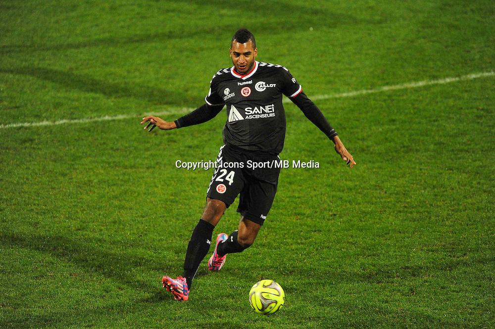 David NGOG  - 04.12.2014 - Lyon / Reims - 16eme journee de Ligue 1  <br /> Photo : Jean Paul Thomas / Icon Sport