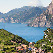 Vista panoramica del Lago di Garda dal comune di Nago Torbole