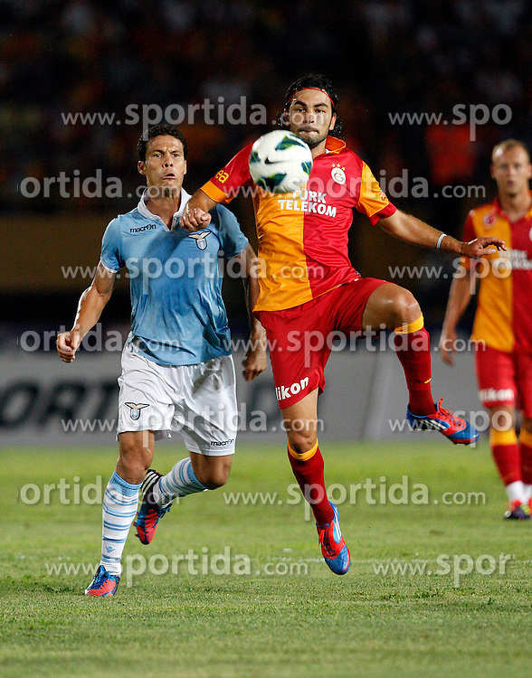 04.08.2012, Ataturk Stadium, Izmir, TUR, Testspiel, Galatasaray Istanbul vs Lazio, im Bild Selcuk Inan (R) of Galatasaray and Anderson Hernanes De Carvalho Andrade of Lazio.  during Friendly Match between Galatasaray Istanbul and Lazio at the Ataturk Stadium, Izmir, Turkey on 2012/08/04. EXPA Pictures © 2012, PhotoCredit: EXPA/ Seskimphoto/ Sphk/ ****** ATTENTION - for AUT, ESP, ITA, SWE, SLO, NOR, FIN, SRB NED and USA ONLY! *****