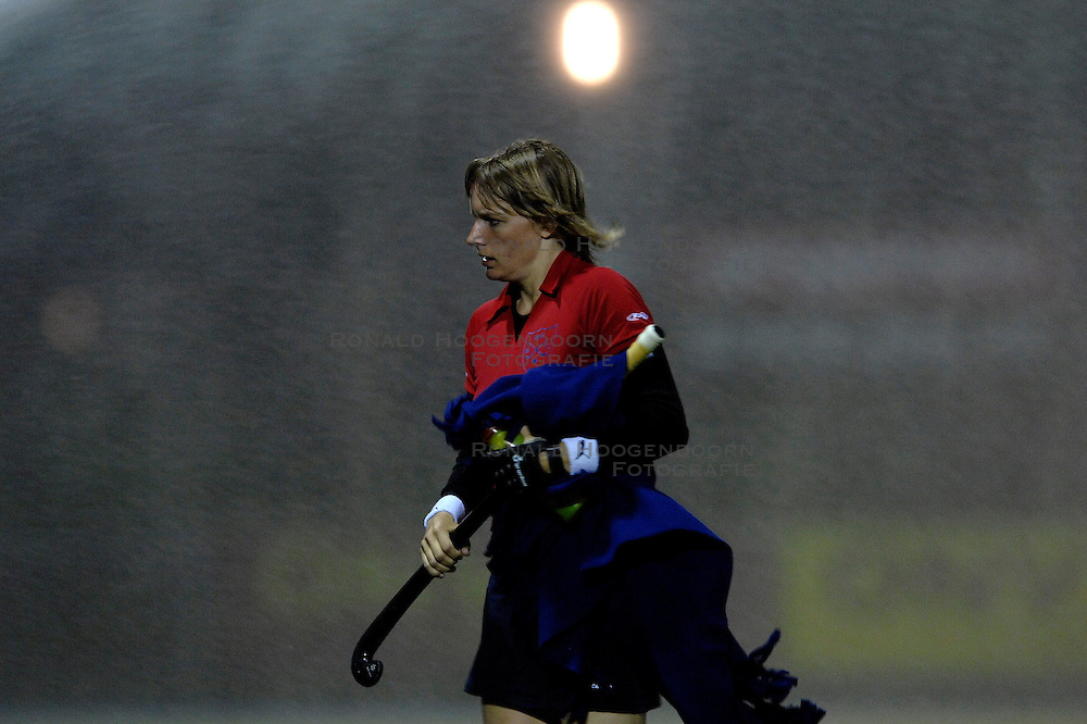 18-04-2007 HOCKEY: KAMPONG - NIJMEGEN: UTRECHT <br /> Kampong speelt met 1-1 gelijk tegen concurrent voor de playoffs Nijmegen / Yvonne van den Hoorn<br /> &copy;2007-WWW.FOTOHOOGENDOORN.NL