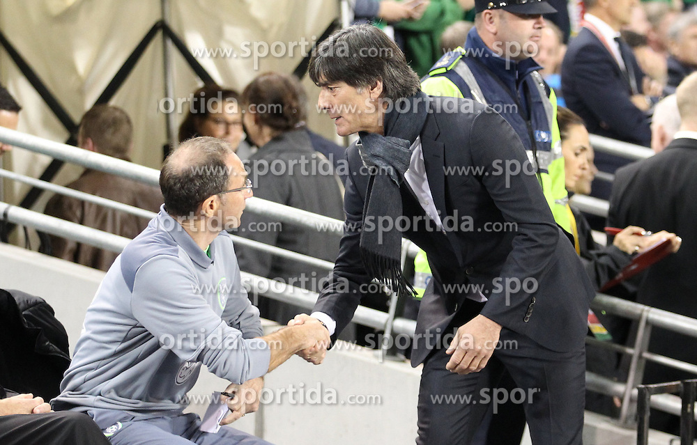 08.10.2015, Avia Stadium, Dublin, IRL, UEFA Euro Qualifikation, Irland vs Deutschland, Gruppe D, im Bild Bundestrainer Joachim ?Jogi? Loew und Trainer Martin O Neill // during the UEFA EURO 2016 qualifier group D match between Ireland and Germany at the Avia Stadium in Dublin, Ireland on 2015/10/08. EXPA Pictures &copy; 2015, PhotoCredit: EXPA/ Eibner-Pressefoto/ Risto Bozovic<br /> <br /> *****ATTENTION - OUT of GER*****