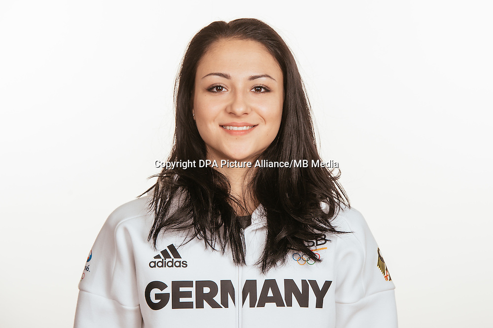Jana Berezko- Marggrander poses at a photocall during the preparations for the Olympic Games in Rio at the Emmich Cambrai Barracks in Hanover, Germany, taken on 15/07/16 | usage worldwide