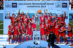 Saracens lift the Premiership Rugby Trophy after defeating Exeter Chiefs in the Final - Mandatory by-line: Robbie Stephenson/JMP - 01/06/2019 - RUGBY - Twickenham Stadium - London, England - Exeter Chiefs v Saracens - Gallagher Premiership Rugby Final