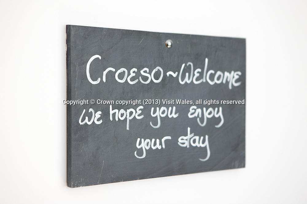 Croeso - Welcome sign on slate<br /> Cross Foxes<br /> Bar Grill Rooms<br /> Near Dolgellau<br /> Gwynedd<br /> Mid<br /> Hotels<br /> Accommodation