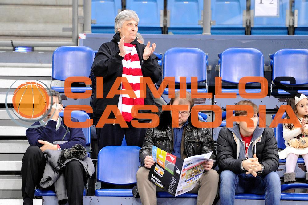 DESCRIZIONE : Pesaro Lega serie A 2013/14 Consultinvest Pesaro Grissinbon Reggio Emilia<br /> GIOCATORE : tifosi<br /> CATEGORIA : tifosi<br /> SQUADRA : Grissin Bon Reggio Emilia<br /> EVENTO : Campionato Lega Serie A 2013-2014<br /> GARA : Consultinvest Pesaro Grissinbon Reggio Emilia<br /> DATA : 26/12/2013<br /> SPORT : Pallacanestro<br /> AUTORE : Agenzia Ciamillo-Castoria/M.Marchi<br /> Galleria : Lega Seria A 2013-2014<br /> Fotonotizia : Pesaro Lega serie A 2013/14 Consultinvest Pesaro Grissinbon Reggio Emilia<br /> Predefinita :