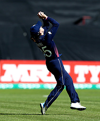 Fran Wilson of England takes a catch to dismiss Nipuni Hansika of Sri Lanka Women off the bowling of Natalie Sciver of England Women - Mandatory by-line: Robbie Stephenson/JMP - 02/07/2017 - CRICKET - County Ground - Taunton, United Kingdom - England Women v Sri Lanka Women - ICC Women's World Cup Group Stage