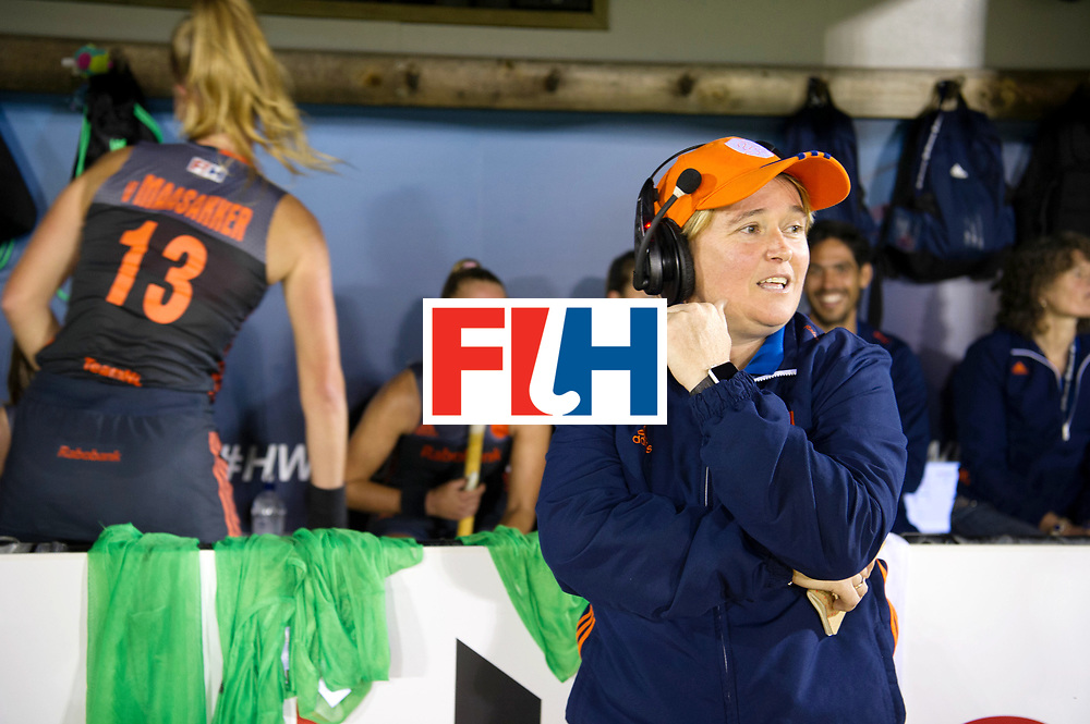 AUCKLAND - Sentinel Hockey World League final women<br /> Match id: 10305<br /> 16 NED v CHina (QF)<br /> Foto: Alyson ANNAN Head Coach in front of the bench.<br /> WORLDSPORTPICS COPYRIGHT FRANK UIJLENBROEK