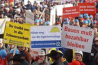 07 NOV 2002, BERLIN/GERMANY:<br /> Demonstraten mit Schildern, Demonstration gegen die Kuerzung der Eigenheimzulage, am Startpunkt Alexanderplatz<br /> IMAGE: 20021107-01-035<br /> KEYWORDS: Demo, Bau, Baugewerbe, Kürzung, Demostrant, demonstrator, Subventionen
