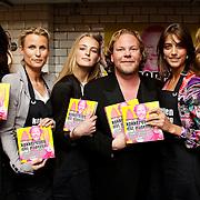 """NLD/Amsterdam/20100421 -  Presentatie Bastiaan van Schaik boek """"Koken met Modellen"""", Irene van de Laar, Sjimmie Bruyninckx, Ymre Stiekema, Bastiaan van Schaik, Daphne Deckers"""