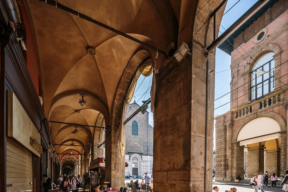 31 MAR 2017 - Bologna - Piazza Maggiore: portici e Basilica di San Petronio.