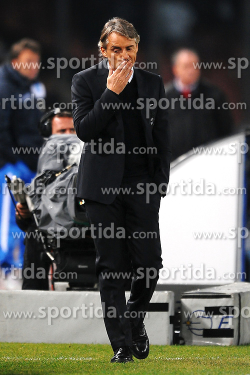 22.11.2011, Stadio San Paolo, Rom, ITA, UEFA CL, Gruppe A, SSC Neapel (ITA) vs Manchester City (ENG), im Bild Delusione Roberto MANCINI, Dejection // during the football match of UEFA Champions league, group A, between SSC Neapel (ITA) vs Manchester City (ENG) at San Paolo Stadium, rome, Italy on 22/11/2011. EXPA Pictures © 2011, PhotoCredit: EXPA/ Insidefoto/ Andrea Staccioli..***** ATTENTION - for AUT, SLO, CRO, SRB, SUI and SWE only *****