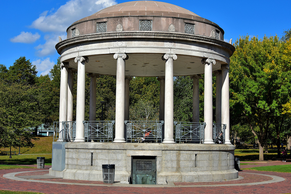 https://ssl.c.photoshelter.com/img-get2/I0000YXB4Bw.ek_o/fit=1000x750/Massachusetts-Boston-Parkman-Bandstand-Boston-Common.jpg