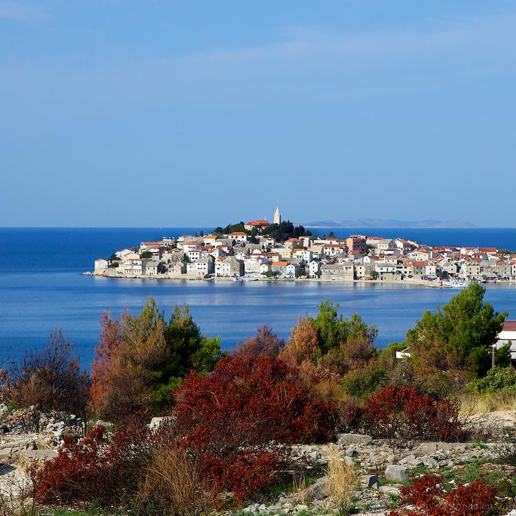 Small island of Primosten, Croatia. L'île de Primosten, Croatie.