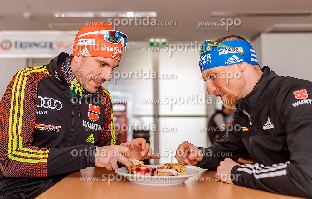 14.02.2017, Biathlonarena, Hochfilzen, AUT, IBU Weltmeisterschaften Biathlon, Hochfilzen 2017, Training, im Bild Arnd Peiffer (GER), Erik Lesser (GER) mit Kornspitz Kuchen // Arnd Peiffer (GER), Erik Lesser (GER) before Training for the IBU Biathlon World Championships at the Biathlonarena in Hochfilzen, Austria on 2017/02/14. EXPA Pictures © 2017, PhotoCredit: EXPA/ JFK