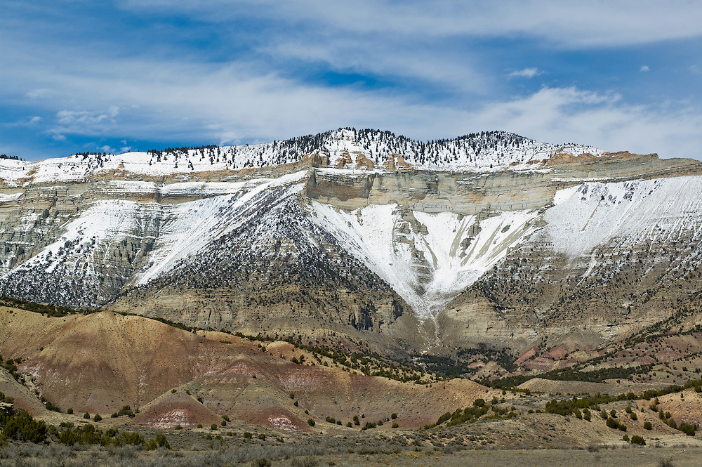 Exposures of the Eocene Green River formation in the Roan Cliffs, Piceance Creek Basin, Colorado<br /> The Green River formation contains oil shale beds.