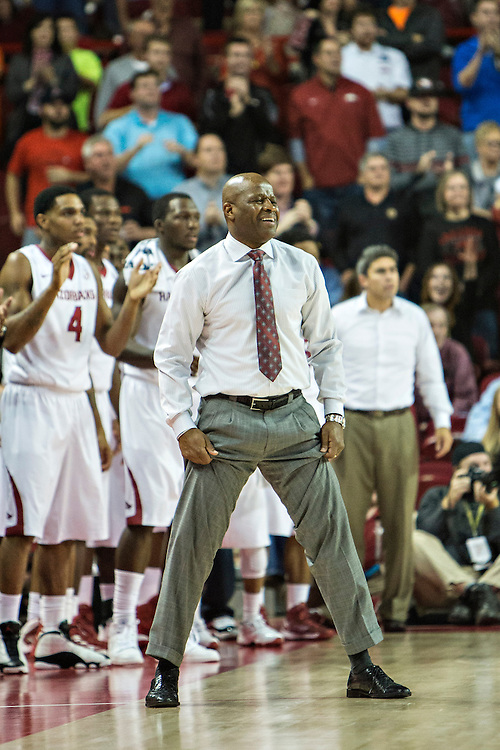 FAYETTEVILLE, AR - NOVEMBER 15:  Head Coach Mike Anderson of the Arkansas Razorbacks reacts after a call during a game against the Louisiana Ragin' Cajuns at Bud Walton Arena on November 15, 2013 in Fayetteville, Arkansas.  The Razorbacks defeated the Ragin' Cajuns 76-63.  (Photo by Wesley Hitt/Getty Images) *** Local Caption *** Mike Anderson