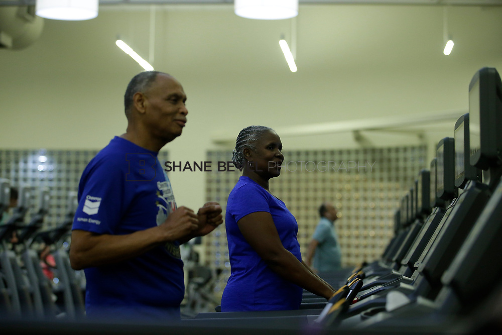 11/8/17 7:37:50 PM --  Charles and Shonda at Healthzone at SFHS. <br /> <br /> Photo by Shane Bevel