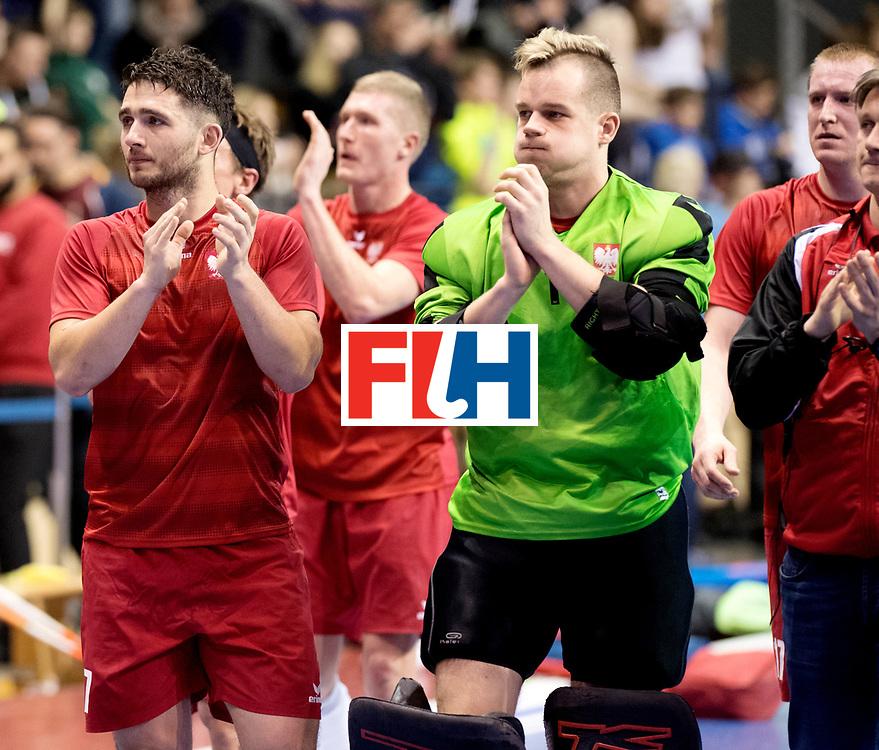 BERLIN - Indoor Hockey World Cup<br /> Quarterfinal 2: Austria - Poland<br /> foto: Poland thank the fans.<br /> WORLDSPORTPICS COPYRIGHT FRANK UIJLENBROEK