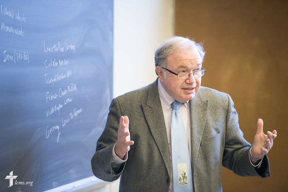 Professor David Coles teaches class at Concordia Theological Seminary, Fort Wayne, Ind., on Wednesday, April 1, 2015. LCMS Communications/Erik M. Lunsford