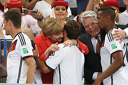 13.07.2014, Maracana, Rio de Janeiro, BRA, FIFA WM, Deutschland vs Argentinien, Finale, im Bild Bundeskanzlerin Angela Merkel umarmt den Siegtorschuetzen Mario Goetze (GER) // during Final match between Germany and Argentina of the FIFA Worldcup Brazil 2014 at the Maracana in Rio de Janeiro, Brazil on 2014/07/13. EXPA Pictures © 2014, PhotoCredit: EXPA/ Eibner-Pressefoto/ Cezaro<br /> <br /> *****ATTENTION - OUT of GER*****