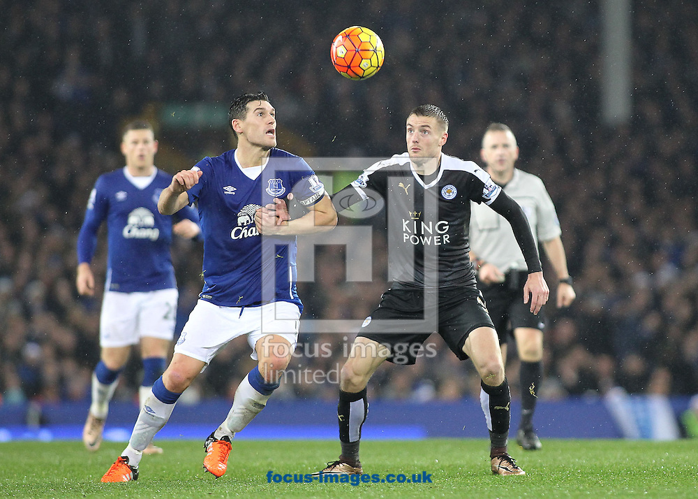 Gareth Barry of Everton and Jamie Vardy of Leicester City in action during the Barclays Premier League match at Goodison Park, Liverpool.<br /> Picture by Michael Sedgwick/Focus Images Ltd +44 7900 363072<br /> 19/12/2015