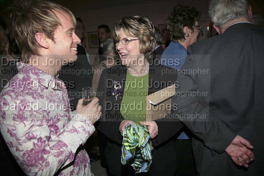 GARY NUNN AND BRENDA BLETHYN, Barnardos Christmas champagne reception at The Hospital, Endell Street, WC2 . 12 December 2006. ONE TIME USE ONLY - DO NOT ARCHIVE  © Copyright Photograph by Dafydd Jones 248 CLAPHAM PARK RD. LONDON SW90PZ.  Tel 020 7733 0108 www.dafjones.com