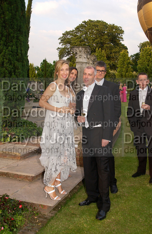 Jay Jopling, Sam Taylor Wood and Neil Tennant, Elton John's White Tie and Tiara Ball. Windsor, 28 June 2003. © Copyright Photograph by Dafydd Jones 66 Stockwell Park Rd. London SW9 0DA Tel 020 7733 0108 www.dafjones.com