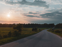 https://Duncan.co/curved-road-in-the-country