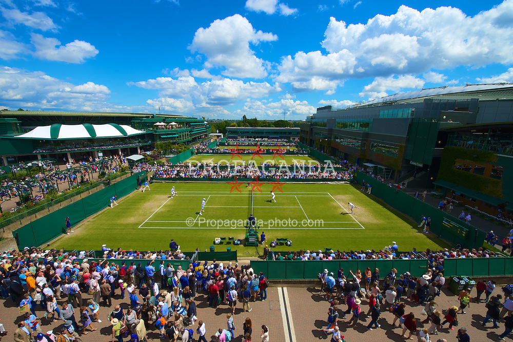 LONDON, ENGLAND - Saturday, June 30, 2012: Kenneth Skupski and Jamie Delgado (GBR) take on the Bryan brothers during the Gentlemen's Doubles 2nd Round match on day five of the Wimbledon Lawn Tennis Championships at the All England Lawn Tennis and Croquet Club. (Pic by David Rawcliffe/Propaganda)