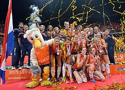 04-10-2015 NED: Volleyball European Championship Final Nederland - Rusland, Rotterdam<br /> Nederland verliest kansloos de finale met 3-0 van Rusland en moet genoegen nemen met zilver
