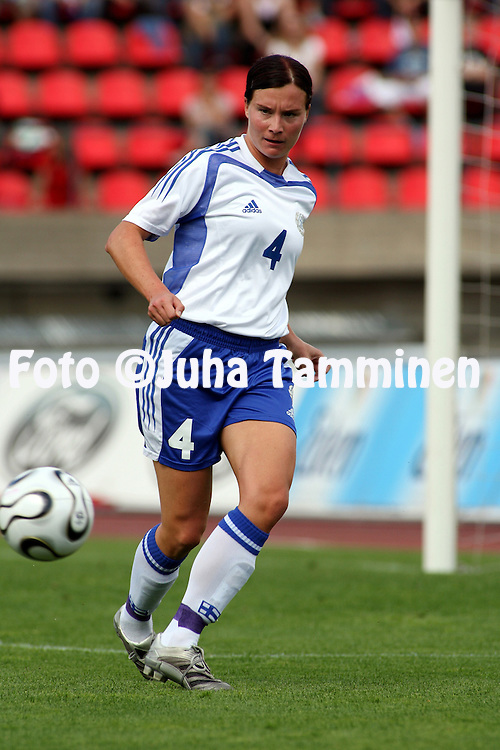 26.08.2006, Ratina, Tampere, Finland..Naisten MM-karsintaottelu Suomi - Tanska / FIFA Women's World Cup Qualifying match, Finland v Denmark..Sanna Valkonen - Finland.©Juha Tamminen.....ARK:k
