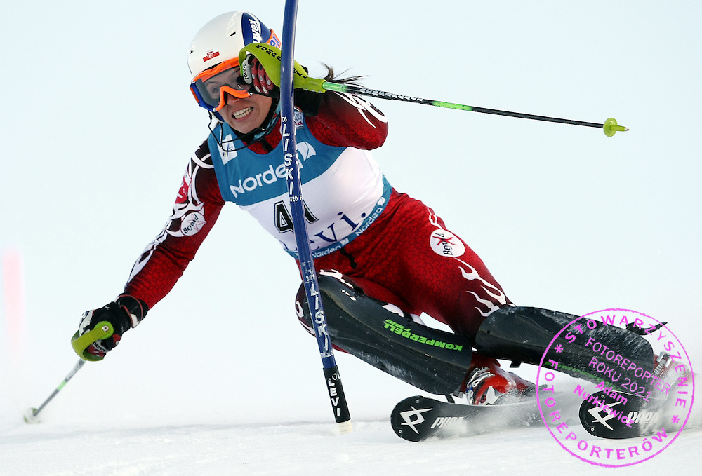 GEPA-1511081200A - LEVI,FINNLAND,15.NOV.08 - SKI ALPIN - FIS Weltcup, Slalom, Torlauf der Damen. Bild zeigt Katarzyna Karasinska (POL). Foto: GEPA pictures/ Walter Luger.FOT. GEPA / WROFOTO.*** poland only !!! ***