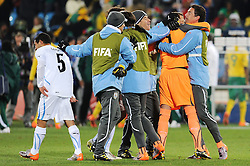 16.06.2010, Versfeld-Stadion, Pretoria, RSA, FIFA WM 2010, RSA, FIFA WM 2010, Südafrika vs Uruguay im Bild Fernando Muslera (Uruguay). jubelt, EXPA Pictures © 2010, PhotoCredit: EXPA/ InsideFoto/ G. Perottino, ATTENTION! FOR AUSTRIA AND SLOVENIA ONLY!!! / SPORTIDA PHOTO AGENCY