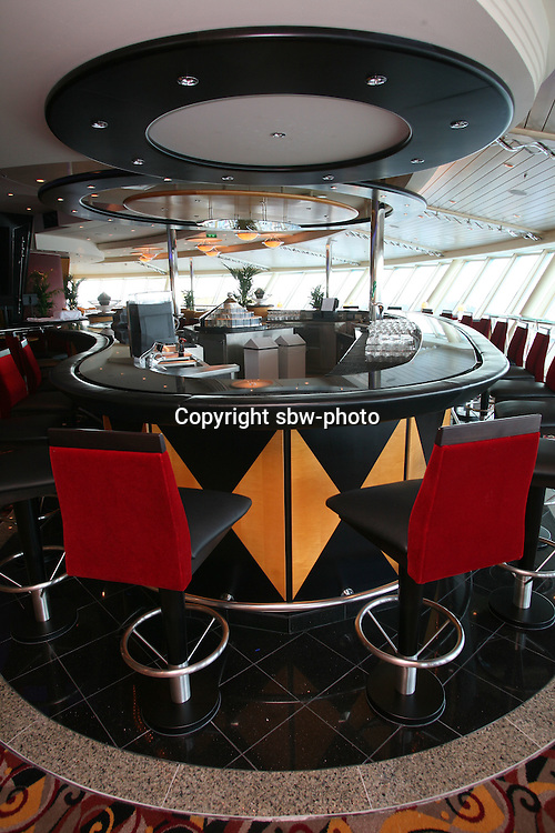 Royal Caribbean International's  Independence of the Seas, the world?s largest cruise ship. ..Interior and exterior features photos. *** Local Caption *** Viking Crown Lounge