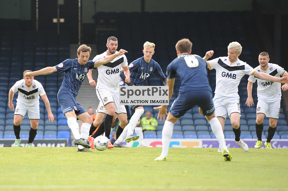 Southends David Mooney gets a shot away during the Southend v Port Vale game in Sky Bet League 1 on the 10th October 2015