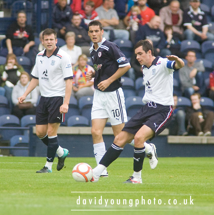 Dundee's Stephen O'Donnell - Raith Rovers v Dundee, IRN BRU Scottish Football League First Division..© David Young.5 Foundry Place .Monifieth.DD5 4BB.07765252616.email: davidyoungphoto@gmail.com.http://www.davidyoungphoto.co.uk