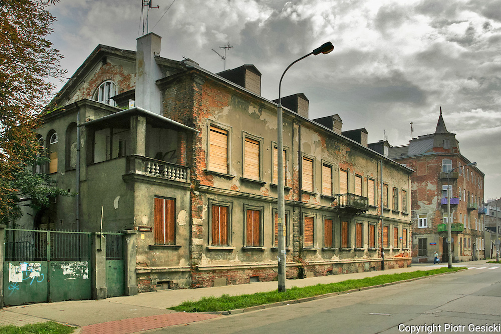 19.09.2006 Warsaw ruined old Konopacki Palace  Strzelecka 11/13 street photo Piotr Gesicki