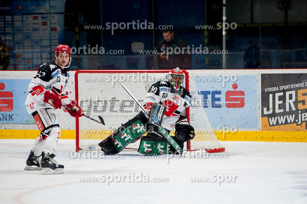 23.10.2016, Ice Rink, Znojmo, CZE, EBEL, HC Orli Znojmo vs HC TWK Innsbruck Die Haie, 13. Runde, im Bild v.l. Andrew Clark (HC TWK Innsbruck) Andy Chiodo (HC TWK Innsbruck) // during the Erste Bank Icehockey League 13th round match between HC Orli Znojmo and HC TWK Innsbruck Die Haie at the Ice Rink in Znojmo, Czech Republic on 2016/10/23. EXPA Pictures © 2016, PhotoCredit: EXPA/ Rostislav Pfeffer