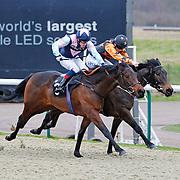 Darkest Night and Fergus Sweeney winning the 1.40 race