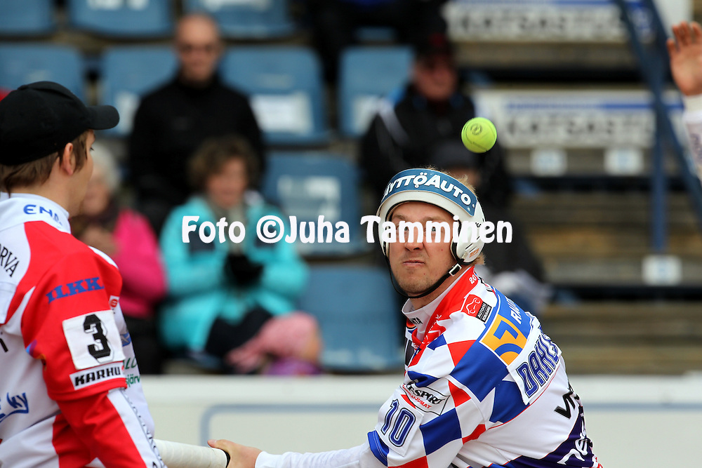 15.5.2011, Saarikentt?, Vimpeli..Superpesis 2011, Vimpelin Veto - Koskenkorvan Urheilijat..Jere Dahlstr?m - Vimpeli.©Juha Tamminen.