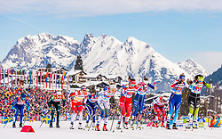 24.02.2019, Langlauf Arena, Seefeld, AUT, FIS Weltmeisterschaften Ski Nordisch, Seefeld 2019, Langlauf, Damen, Teambewerb, im Bild die Athleten während des Start // athletes during the start during the ladie's cross country team competition of FIS Nordic Ski World Championships 2019 at the Langlauf Arena in Seefeld, Austria on 2019/02/24. EXPA Pictures © 2019, PhotoCredit: EXPA/ Stefan Adelsberger