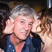 NLD/Utrecht/20130925 - Opening NFF 2012 - premiere Hoe Duur was de Suiker, Carice van Houten en Halina Reijn kussen Paul Verhoeven