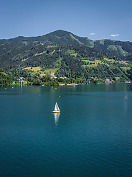 THEMENBILD - ein Boot am Zeller See, aufgenommen am 30. Juni 2019 in Zell am See, Österreich // a boat at the Zeller lake, Zell am See, Austria on 2019/06/30. EXPA Pictures © 2019, PhotoCredit: EXPA/ JFK