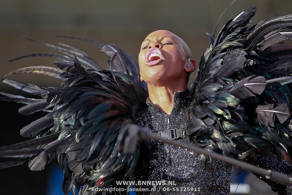 NLD/Amsterdam/20110626 - Ziggodome Under Contruction concert van Skunk Anansie, zangeres Skin