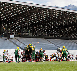 12.07.2011, Tivoli Stadion, Innsbruck, AUT, American Football WM 2011, Group A, Australia (AUS) vs Germany (GER), im Bild Übersicht American Football WM, in innsbruck, Deutschland macht ein Fieldgoal // during the American Football World Championship 2011 Group A game, Australia vs Germany, at Tivoli Stadion, Innsbruck, 2011-07-12, EXPA Pictures © 2011, PhotoCredit: EXPA/ J. Feichter