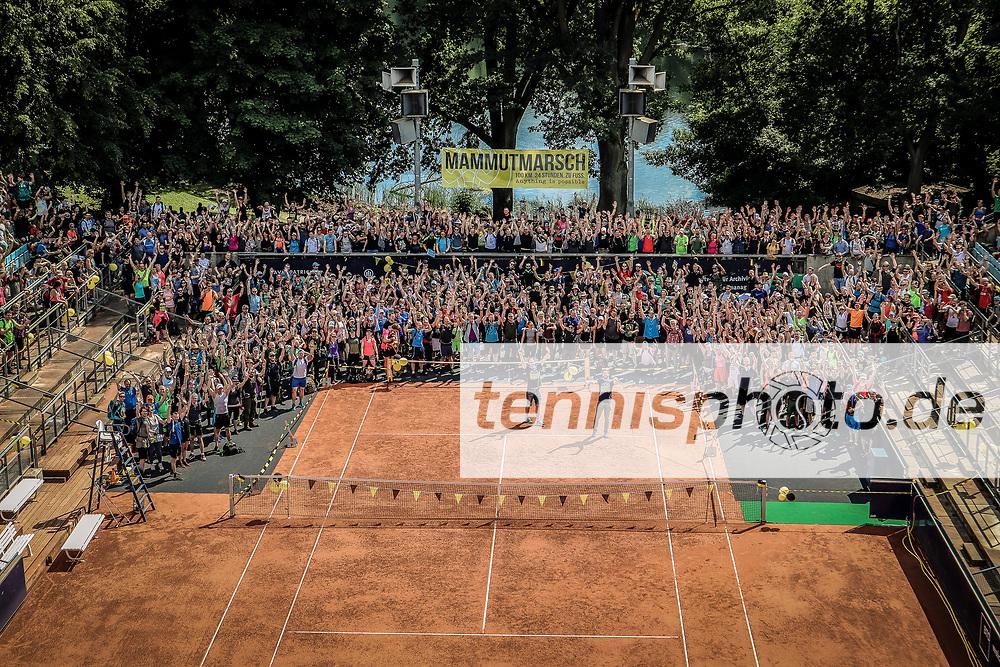Mammutmarsch 2018 (100 km, 24 Stunden) - Start im Steffi-Graf-Stadion, Berlin, 26.05.2018, Foto: Claudio Gärtner